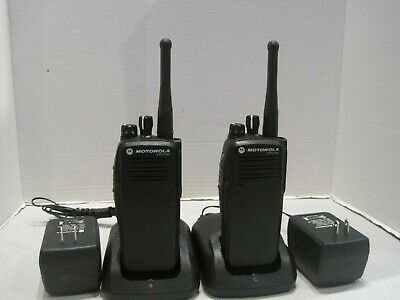 Lot Of 2 Motorola Xpr6100 403-470 Mhz Uhf Digital Two Way Radios Aah55qdt9ja1an