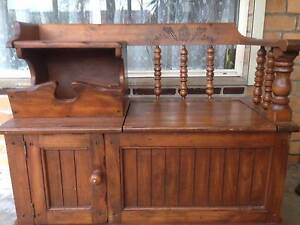 ANTIQUE/VINTAGE HALLWAY BENCH PHONE AND STORAGE PLACE SOLID WOOD Coburg Moreland Area Preview