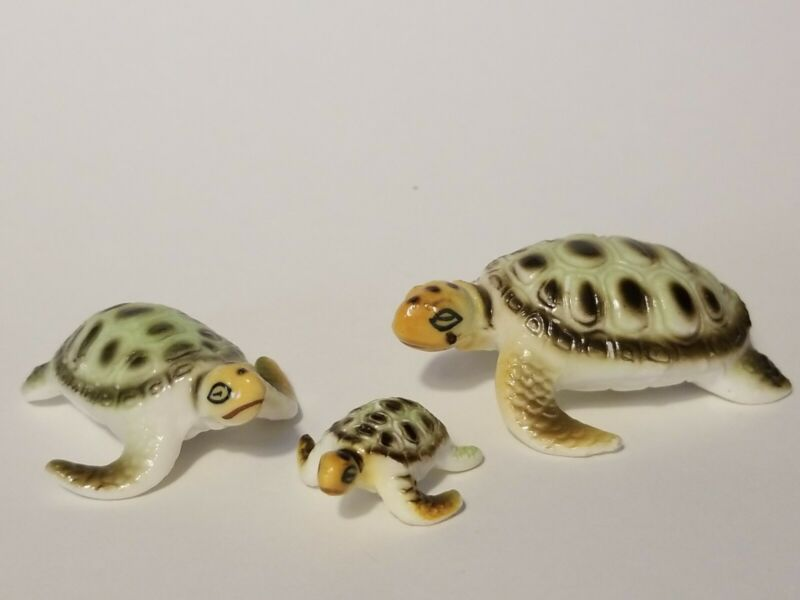 Vintage Sea Turtle Family Miniature Mini Fine Bone China Figurines 3 Figures