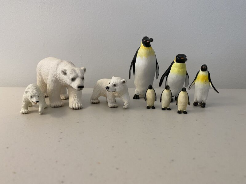 Schliech Polar Bears And Penguins