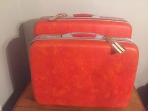 Vintage Tangerine Samsonite hard side luggage