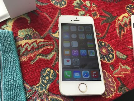 IPHONE 5S 16GB GOLD UNLOCKED Keysborough Greater Dandenong Preview