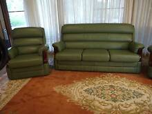 4 PC LEATHER LOUNGE SUITE Thornlands Redland Area Preview