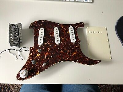 Fender Squier Strat Stratocaster Loaded Pickguard Single Coil And Bridge Block