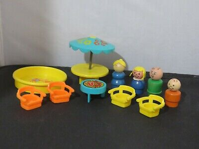 Vintage Fisher Price Play Family Patio Set #726 1970s - wood figures