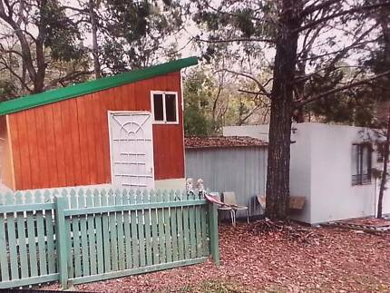 Cabins 2 cute 35 km to GPO City 549 sq mt land
