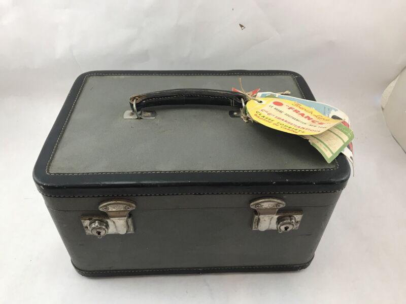 1940s VINTAGE LEATHER TRAIN MAKEUP VANITY CASE France Goldwynn Works