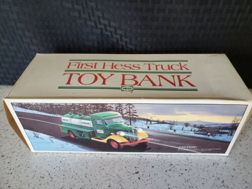 1985 HESS TOY TRUCK IN ORIGINAL BOX