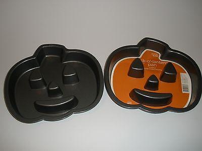 2 WILTON Jack-O-Lantern Pumpkin Cake Fluted pans  NON-STICK  ](Pumpkin Cake Pans)
