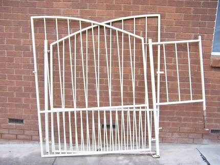 Drive way Gates X2