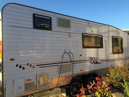 Crusader caravan 2012