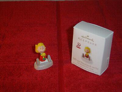 Hallmark Peanuts Snoopy Sally Brown On Ice Ornament 2010 - $6.99