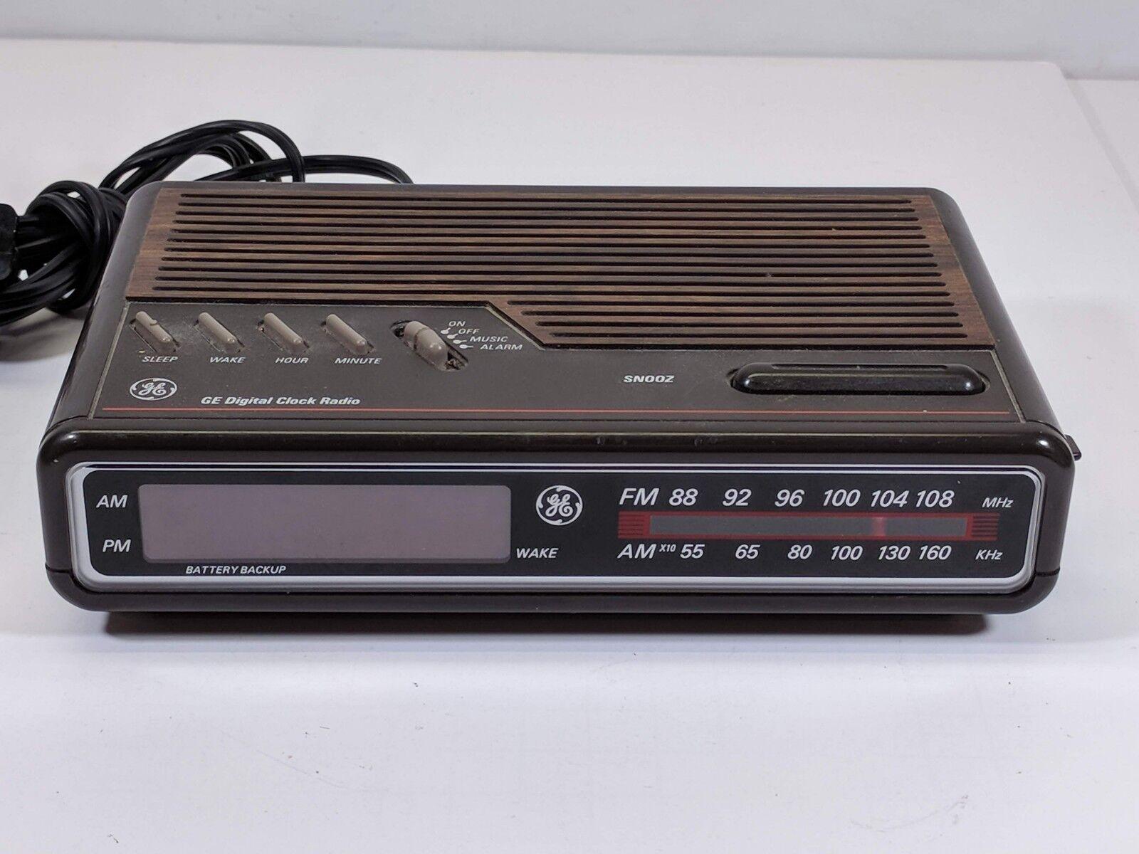 Vintage GE 7-4612B AM/FM Alarm Clock Radio Digital LED General Electric-Works!