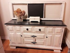 Buffet/Entertainment Unit