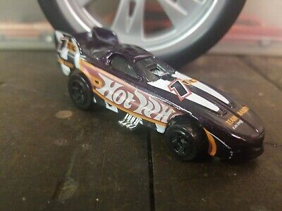 Hot Wheels #976 Mega Graphics Firebird Funny Car Dark Purple 1999