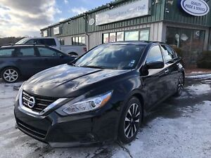 2018 Nissan Altima 2.5 SV CLEAN CARFAX/ONE OWNER/SUNROOF/BACK...