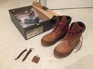 Timberland Men's Icon 6 Inch Boots - Size 8 - Med Brown Nubuck