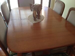Dining room table and six chairs Engadine Sutherland Area Preview
