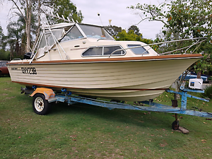 Cruise Craft Rambler 5.5m half cabin boat with 135hp offshore Jimboomba Logan Area Preview