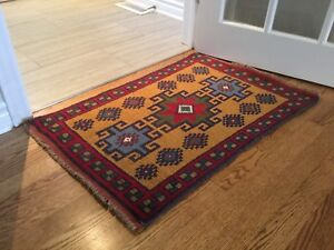 Persian Rug Or Rugs Carpets Runners In Ottawa