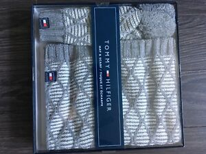 TOMMY HILFIGER HAT/SCARF SET