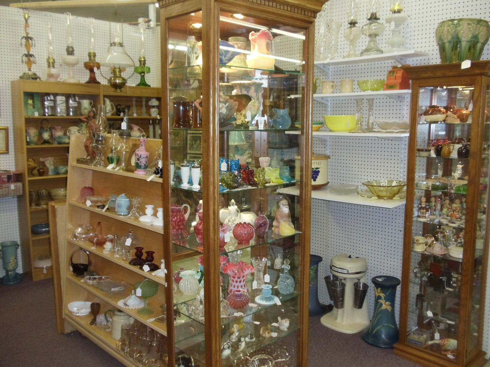R&E Vintage & Antique Collectables