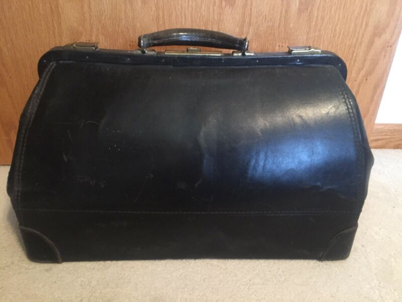 "Vtg BELBER Leather  18"" Doctor Bag Leather Lining Suitcase Travel Case Black"