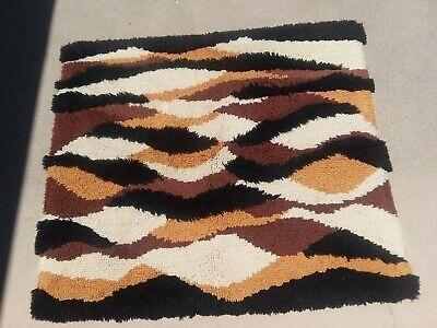 Vintage Mid Century Modern Mod 1980s Latchhook rug wall hanging