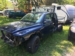 2003 dodge dakota 2wd parts truck