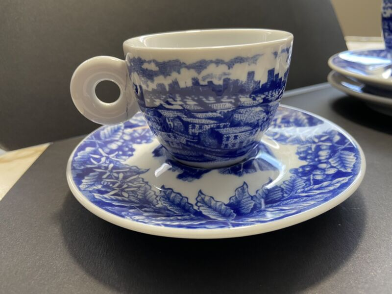 Illy Collection Expresso Cup/Saucer Willis Design 2005   Rosenthal  Germany