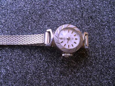 Women 18 k white gold Bucherer vintage watch
