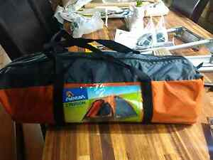Small 2 man tent Cooloongup Rockingham Area Preview