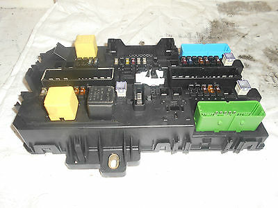 buy vauxhall v fuse box parts fuses and fuse boxes uk. Black Bedroom Furniture Sets. Home Design Ideas