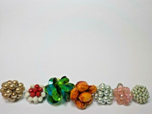 Vintage Beaded stretch rings lot of 7 nice color selection of beads