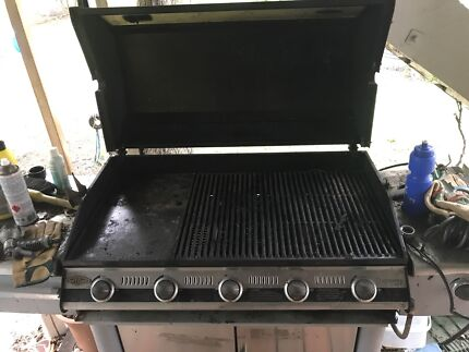 5 burner beefeater BBQ
