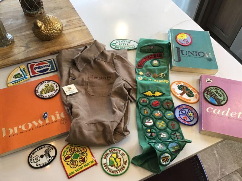 Vintage 1970s Girl Scout USA Uniform Jumper & Sash wBadges -Size 8 Mon Valley PA