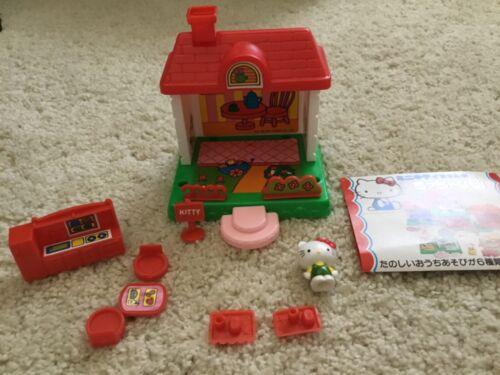 Vintage 1976 Hello Kitty mini play set Sanrio
