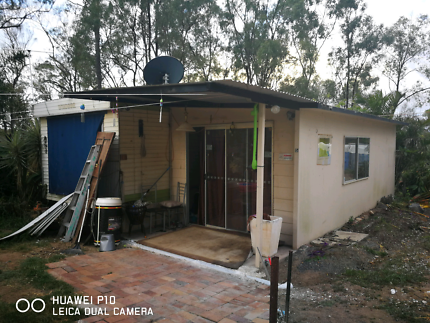 Mobile home for sale with garden shed and water pressure pump