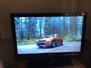 "LG 42"" Full HD 1080p LED TV - Perfect Condition!"