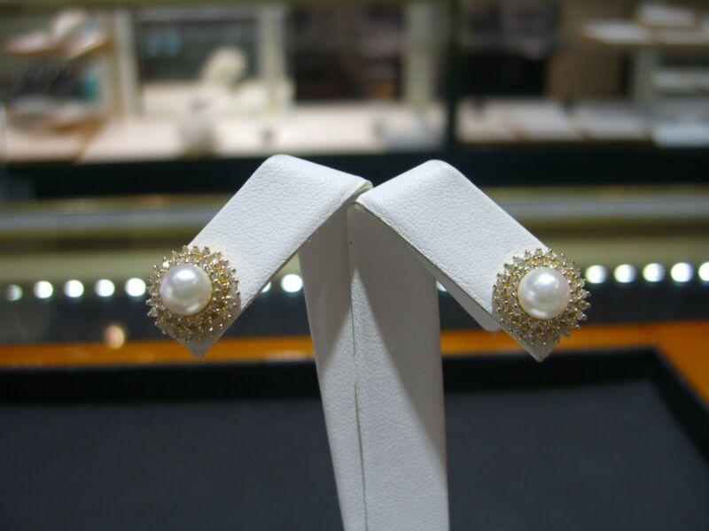 Fine 14 Karat Yellow Gold Diamond  And Pearl Stud Earrings 1.00 Carats New