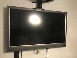 VIZIO LED 1080P FULL HD TV 47 INCHES MINT CONDITION