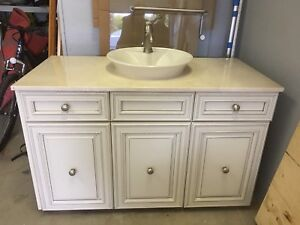 Bathroom vanity and matching Cabinet