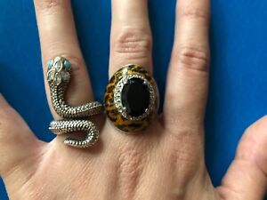 Large snake and leopard rings