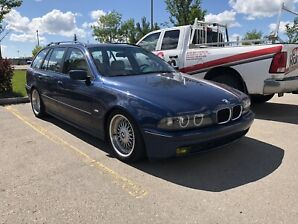 BMW 528it Wagon 5 Speed