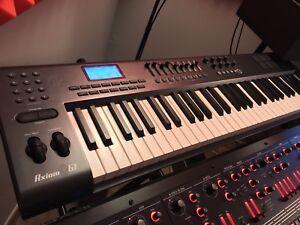 M-Audio Axiom 61 MIDI Keyboard