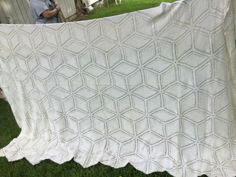 Antique Hand Crochet Twin SINGLE Coverlet Bed Spread Ecru Heavy cotton 72x92