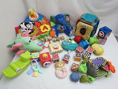 HUGE LOT OF BABY INFANT TOYS CRIB STROLLER HAND EYE COORDINATION GREAT NAMES