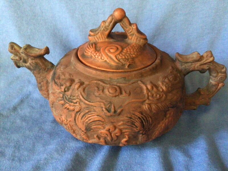 Vintage Chinese I-HSING Pottery Teapot w DRAGON SPOUT & HANDLE Clay YIXING ZISHA