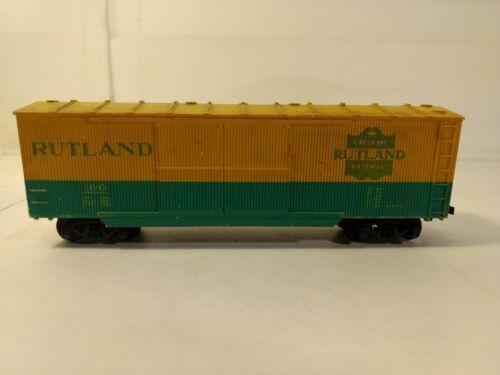 Vintage Roco Rutland #100 Yellow & Green Train Box Car HO Gauge Scale tr1023