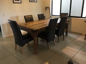 Trekka dining table and chairs
